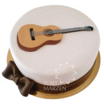 Tort z gitar